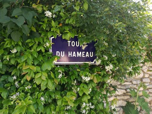 La Tour du Hameau : Guest accommodation near Lioux