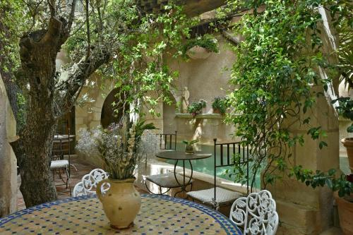 Un Mas en Ville : Bed and Breakfast near Marseille 6e Arrondissement