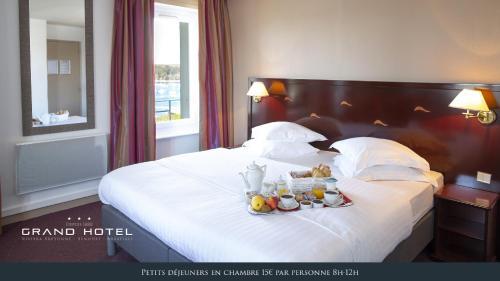 Le Grand Hôtel Abbatiale Bénodet : Hotel near Bénodet