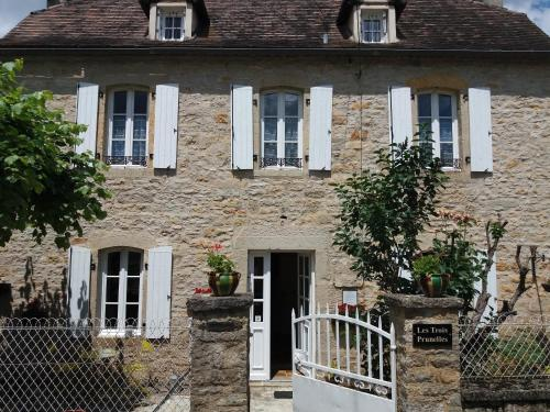 Les Trois Prunelles : Bed and Breakfast near Montbrun