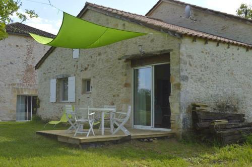 Gite au Bouy : Guest accommodation near Saint-Aubin