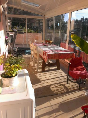 Villa Allee des Mimosas : Guest accommodation near Roquefort-les-Pins