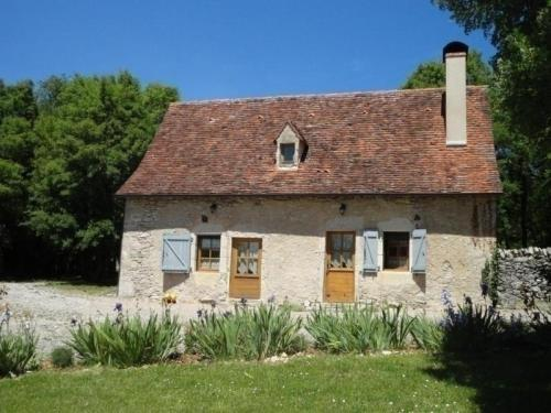 House Gite le cayre : Guest accommodation near Montbrun