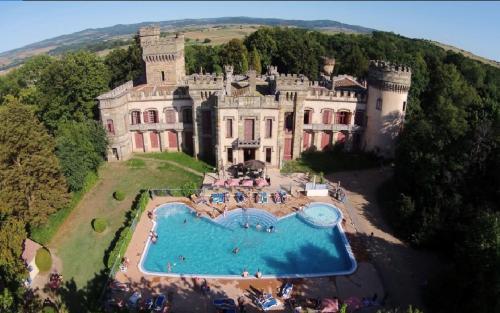 Château de la Grange Fort : Guest accommodation near Montpeyroux