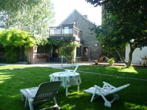 Entre Deux Nos : Bed and Breakfast near Hasnon