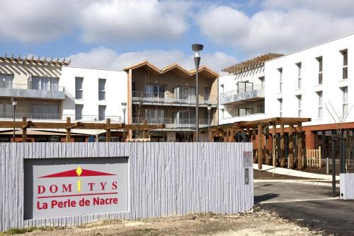 Domitys-La Perle de Nacre : Guest accommodation near Arvert