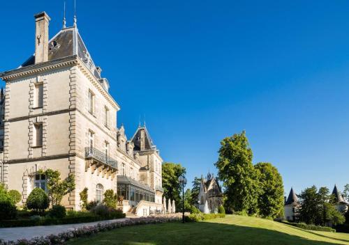 Château de Mirambeau - Relais & Châteaux : Hotel near Bois