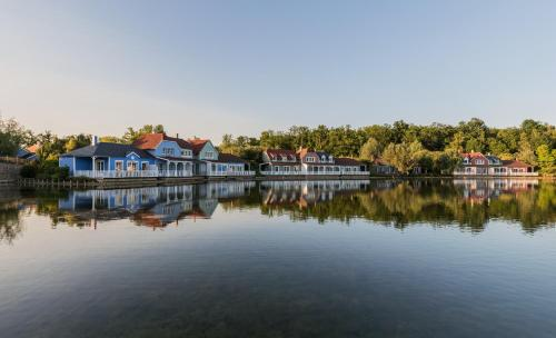 Center Parcs Le Lac d'Ailette : Guest accommodation near Vendresse-Beaulne