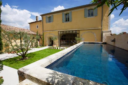 Stunning Views Heart of Provence : Guest accommodation near Saint-Martin-de-Crau