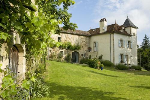 Domaine de la Piale : Bed and Breakfast near Saint-Perdoux
