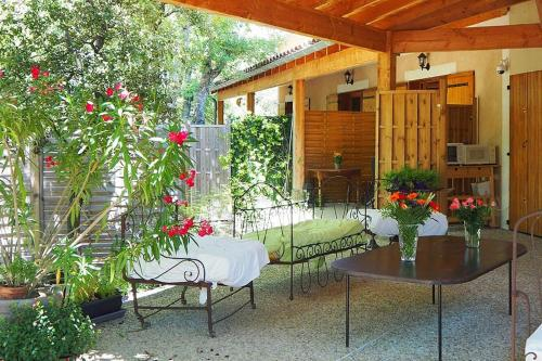 Escapades en Ventoux : Guest accommodation near Malemort-du-Comtat