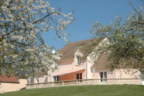 La verte prairie : Guest accommodation near Saint-Samson-la-Poterie