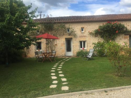 Le Petit Chabrou : Guest accommodation near Saint-Sornin