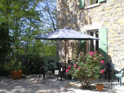 Holiday home Place des Teyssiers : Apartment near Grospierres