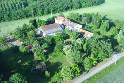 Chambre d'Hôtes Encatello : Bed and Breakfast near Castelgaillard