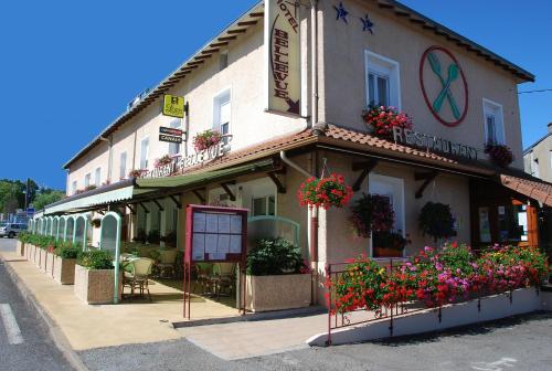 Logis Hôtel Bellevue : Hotel near Mourioux-Vieilleville
