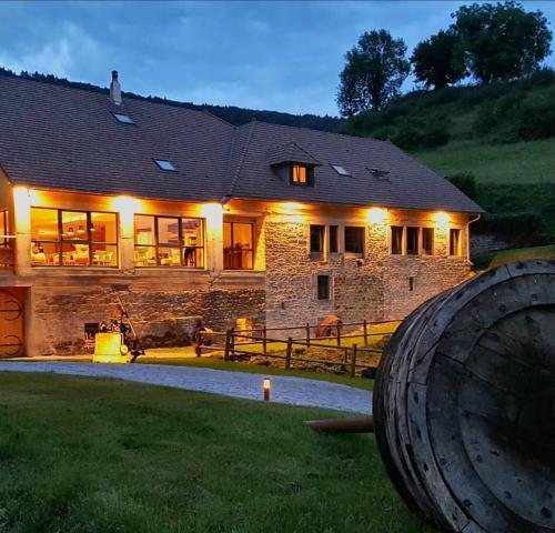 Maison d'hôtes & SPA La Scierie : Bed and Breakfast near Geraise