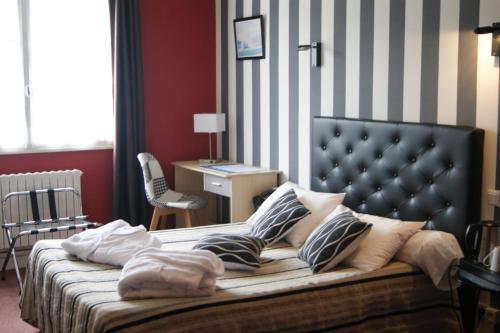 Hotel de L'Europe, La Roche-Posay : Hotel near La Puye