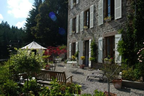 Chambres d'hôtes Le Moulin des Farges : Bed and Breakfast near Ussel