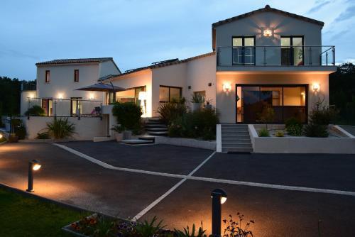 Gite de Garance : Guest accommodation near Clansayes