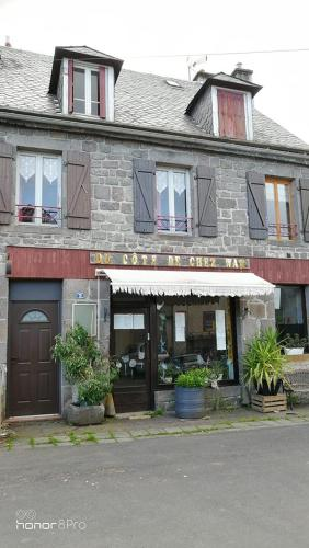 Du cote de chez Wan : Guest accommodation near Valbeleix