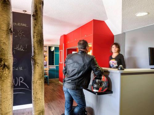 hotelF1 Lille Metropole (Metro Mons Sart) : Hotel near Mons-en-Barœul