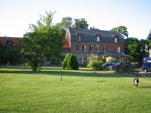 Chambre d'Hotes La Chaiserie : Bed and Breakfast near Louvignies-Quesnoy