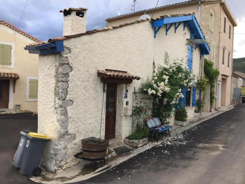 La Fontainebleu : Guest accommodation near Prades-sur-Vernazobre