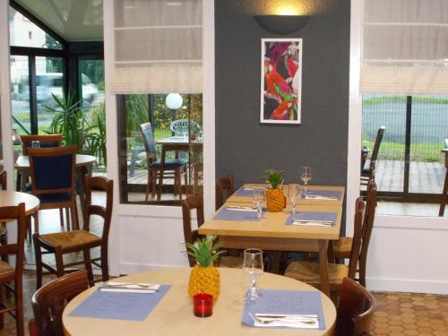 Kyriad Tarbes Odos : Hotel near Bénac