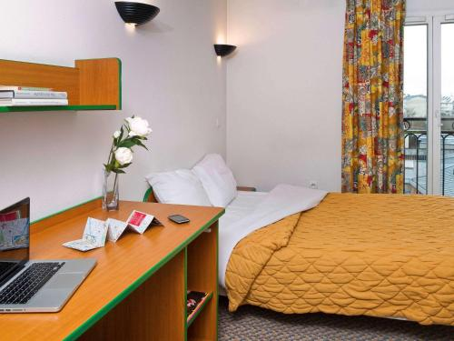 Aparthotel Adagio Access Paris Maisons-Alfort : Guest accommodation near Saint-Maurice