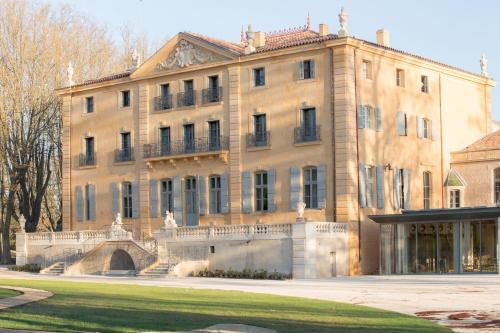 Château de Fonscolombe : Hotel near Le Puy-Sainte-Réparade