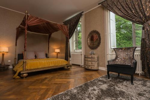 Chateau de Sugny : Bed and Breakfast near Montverdun