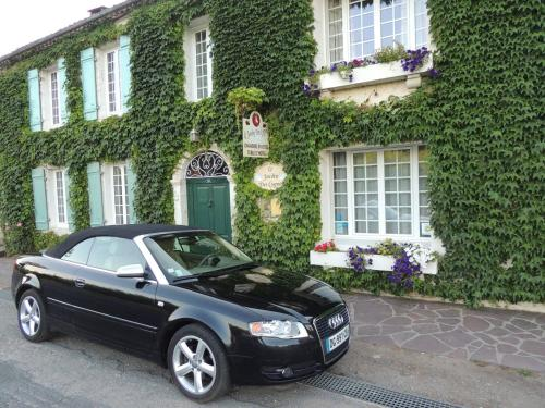 Le Jardin des Cygnes : Bed and Breakfast near Nastringues