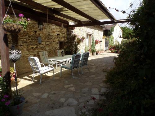 Jardins de la Dame Blanche : Guest accommodation near Coussay-les-Bois