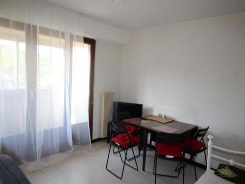 Apartment Appartement type f2 avec bacon et accès wifi, proche de la plage : Apartment near Banyuls-sur-Mer