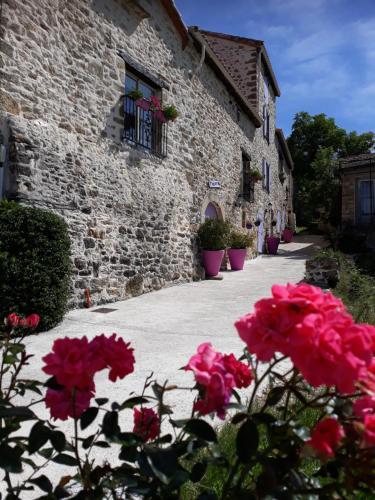 Gîtes de Prune : Guest accommodation near Dourbies