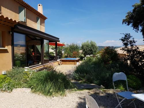 Le Galoubet : Bed and Breakfast near Gargas