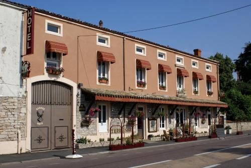 Le Relais de l'Abbaye : Hotel near Cruzille