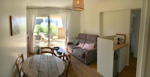 Le Wim'Heureux Terrasse : Apartment near Wimille