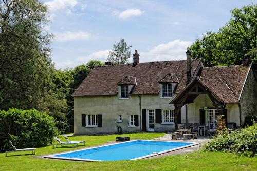 Ecrevisse : Guest accommodation near Sainte-Colombe-sur-Loing