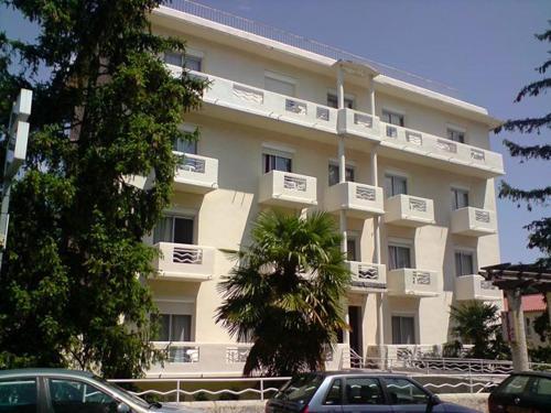 Hôtel La Pergola : Hotel near Arles-sur-Tech
