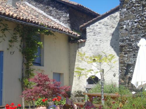 La Grenouille Verte : Guest accommodation near Saint-Bazile