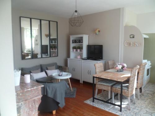 Le Bocage : Guest accommodation near La Rivière-Saint-Sauveur