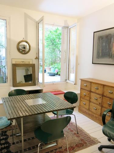 Carreau du Temple Marais : Apartment near Paris 3e Arrondissement