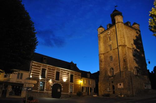 Relais du Beffroi Chambres d'Hôtes : Bed and Breakfast near Bussus-Bussuel