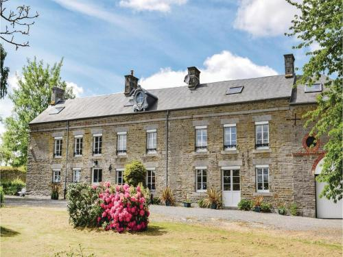 Holiday home Château de Bremesnil P-836 : Guest accommodation near La Lande-Patry