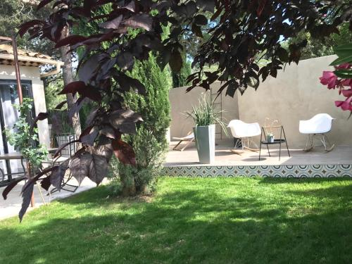 L'Atelier, au Clos de la chevre sud : Guest accommodation near La Cadière-d'Azur