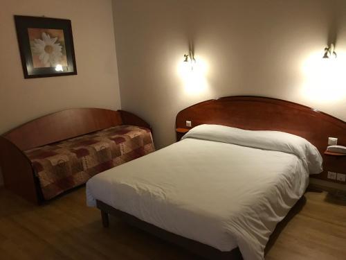 Hôtel Les Minotiers : Hotel near Saint-Julien-de-Gras-Capou