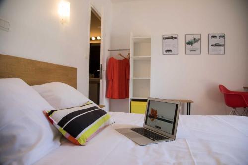 Hôtel Les Hauts de Meursault : Hotel near Lusigny-sur-Ouche
