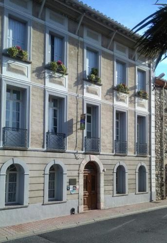 Maison 225 : Bed and Breakfast near Sournia